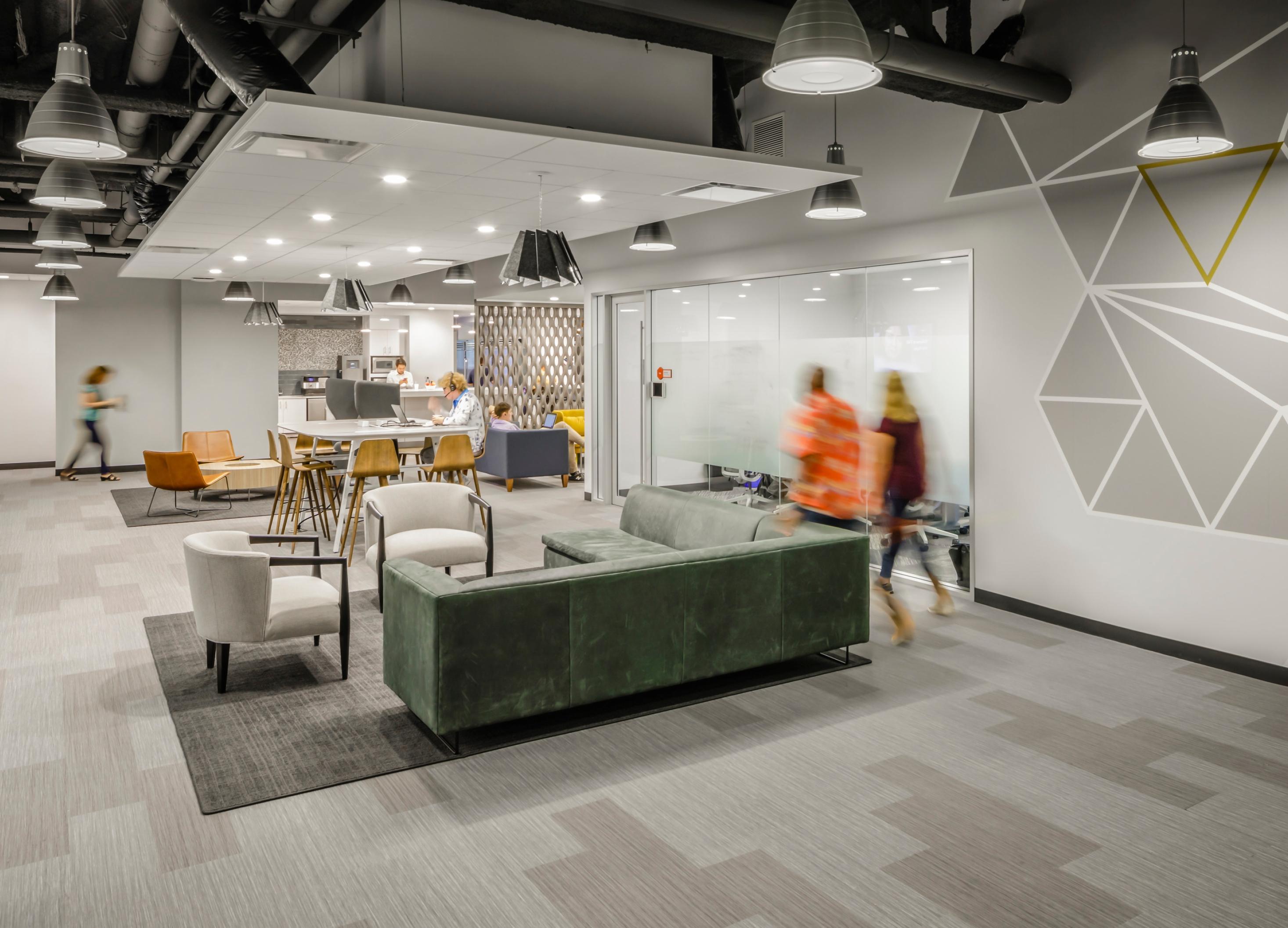 SMMA | Foundation Medicine | Work Cafe | Cambridge, MA