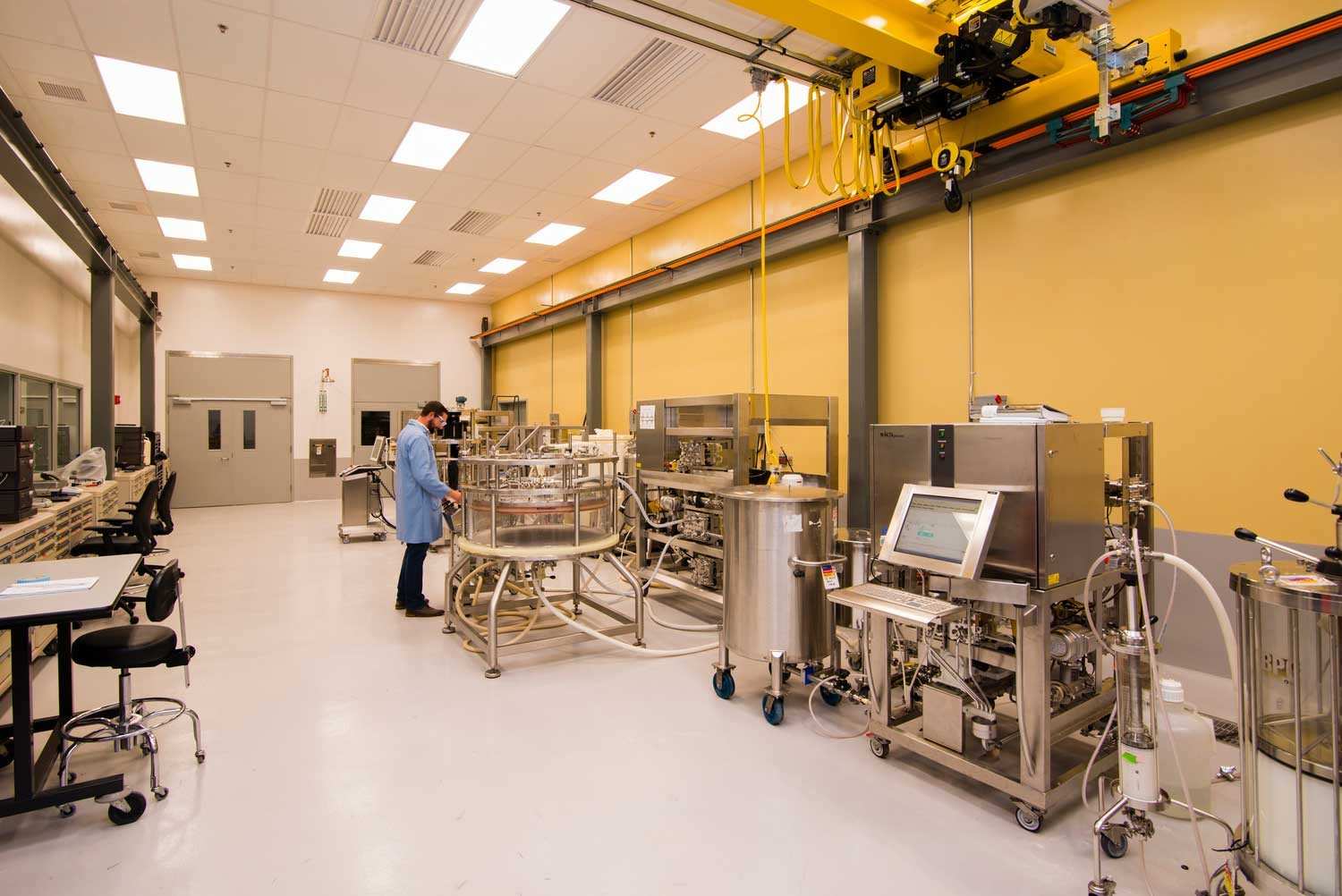 Large lab area with cutting edge equipment at Cytiva HQ