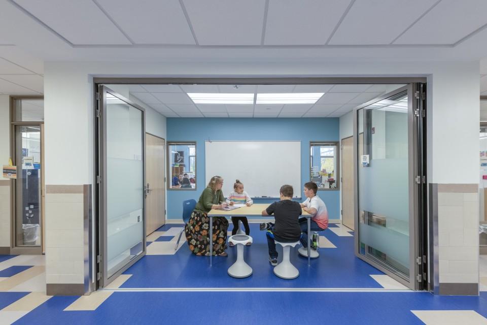Templeton Elementary School Corridor Classroom